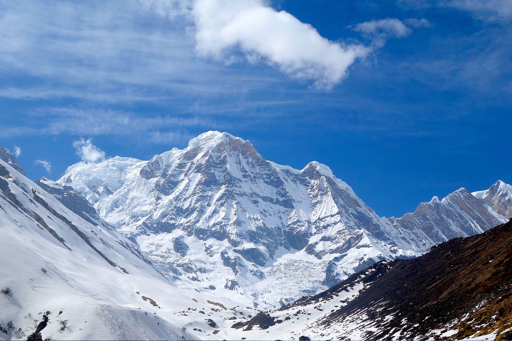 Day 9: Trek from MBC (3700m) to Annapurna Base Camp (2hrs, 4130m)