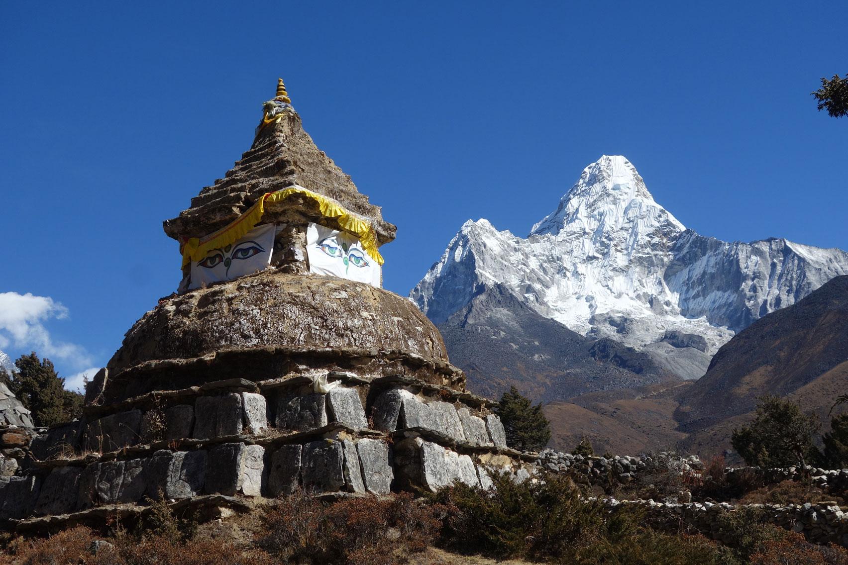 Day 6: Trek from Namche Bazaar (3445m)  to Phortse (5hrs, 3800m)