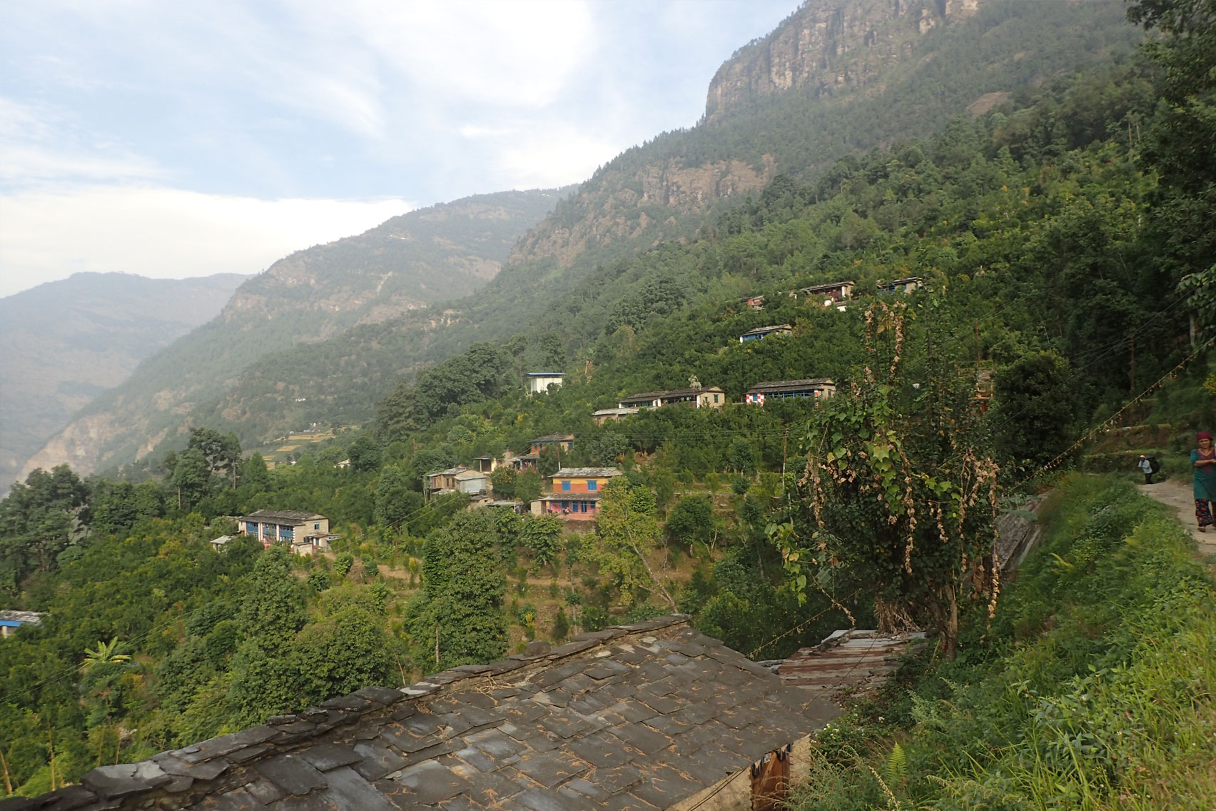 Day 3: Drive from Pokhara to Galeshwar (4hrs, 1200m) and trek to Banskharka (4hrs, 1550m)