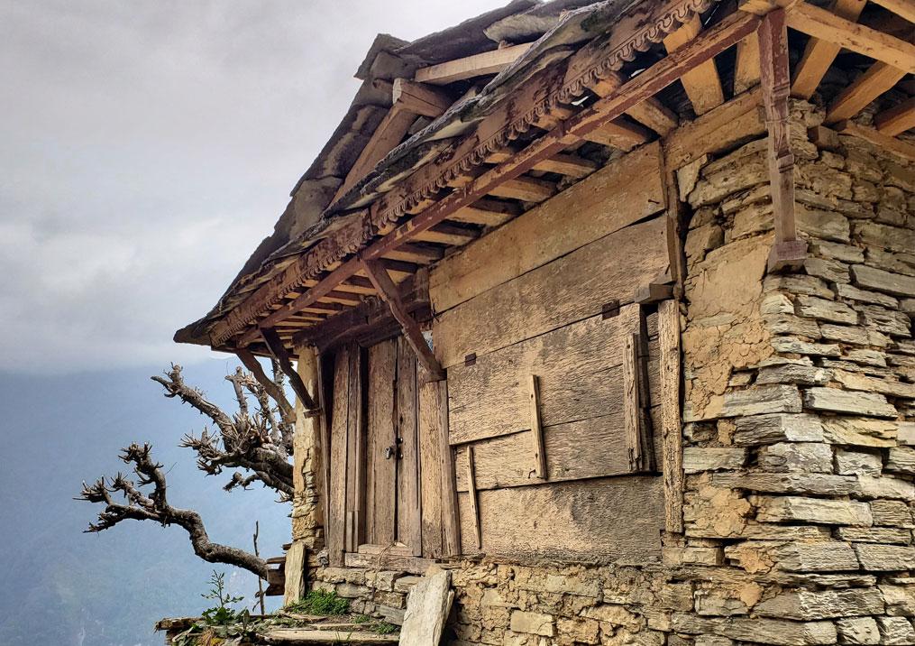 Day 9: Khopra (3640m) to Sontha (6 hrs)