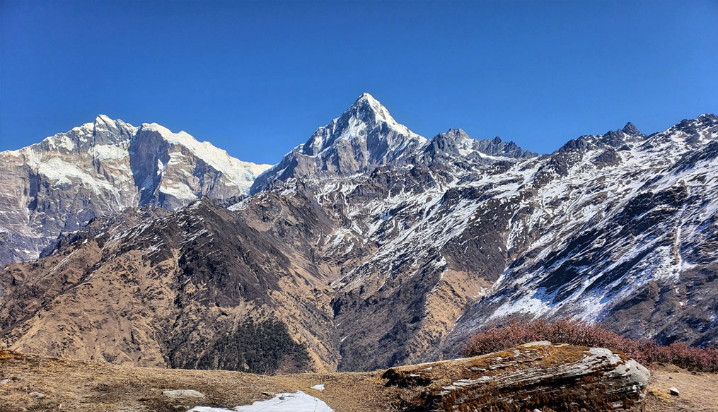 Day 8: A day hike to Khayer Lake (4500m) and back to Khopra (8 hrs, 3640m)